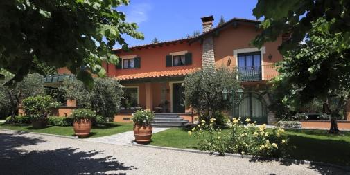 """Villa """"Ortensia"""" Pietrasanta (LU) - Italia"""