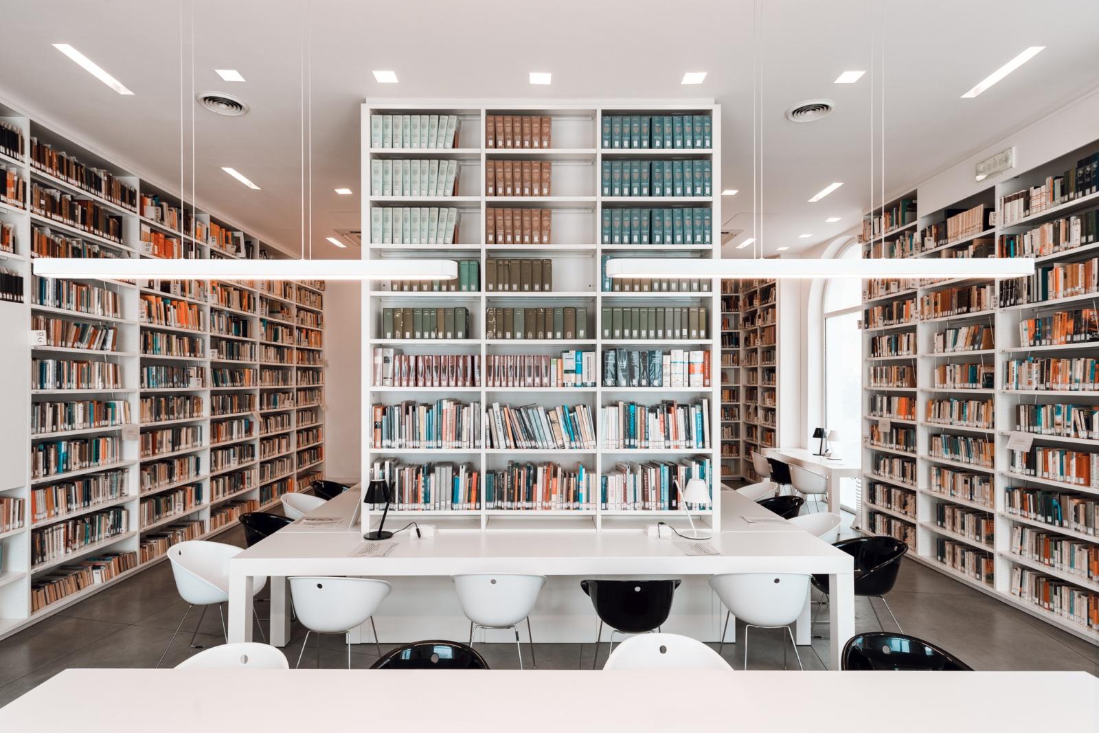 """"""" Biblioteca Palazzo Quartieri """" Forte dei Marmi (LU) - Italia"""