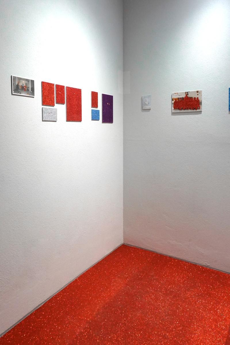 """Particolare dell'installazione di """"Senza titolo (eyes)"""", Fondazione Giuseppe Siotto, Cagliari, 2020. Ph: Francesca Ledda"""