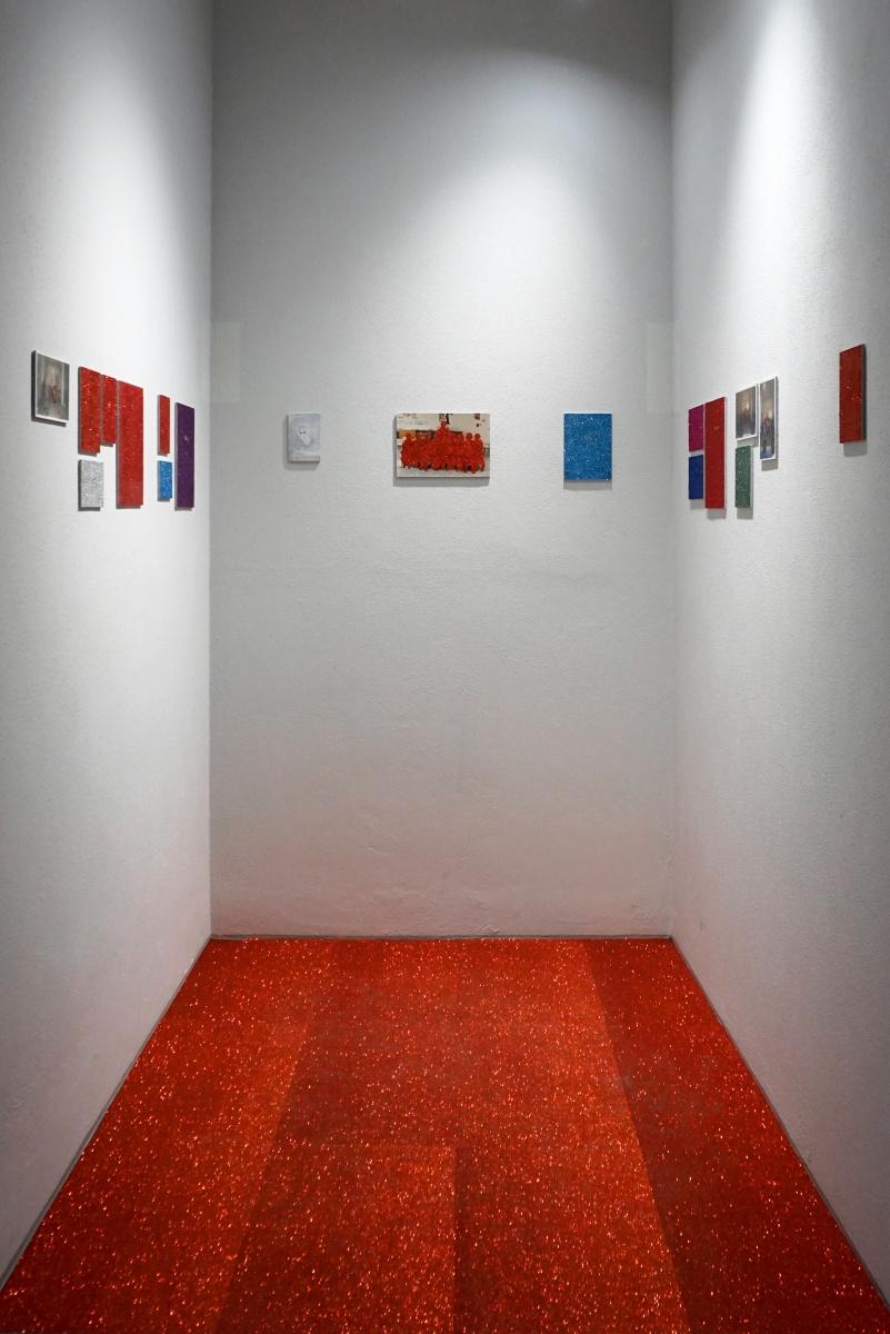 """Vista dell'installazione di """"Senza titolo (eyes)"""", Fondazione Giuseppe Siotto, Cagliari, 2020. Ph: Francesca Ledda"""